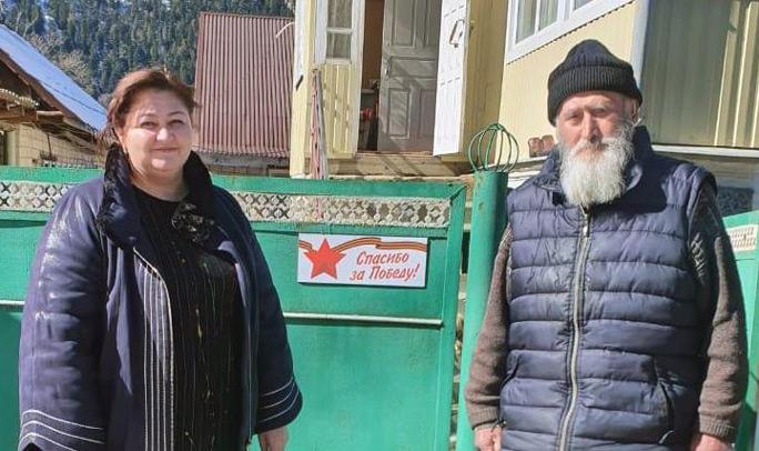 Альфия БАЙРАМУКОВА по долгу службы - частый гость в доме у ТЕМИРОВА