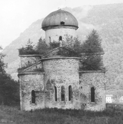 Средний храм. Общий вид, восточный фасад