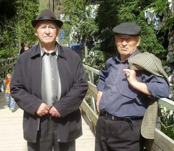 Целинники из Карачаевска Мусса-Али Эбзеев (справа) и Алаш Суюнчев свою дружбу пронесли через всю свою жизнь