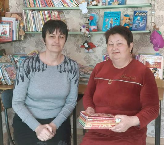 Заслуженные работники культуры КЧР Зарифа Чехова (слева) и Зета Товгазова