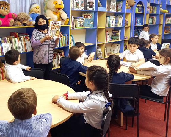 Участники мероприятий КЧРДБ им. С. П. Никулина в рамках празднования Дня славянской письменности и культуры
