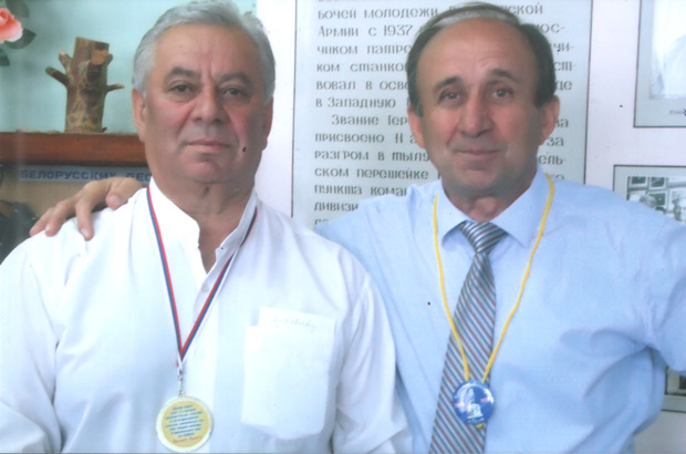 М. Куджев (слева) и А. Кунижев