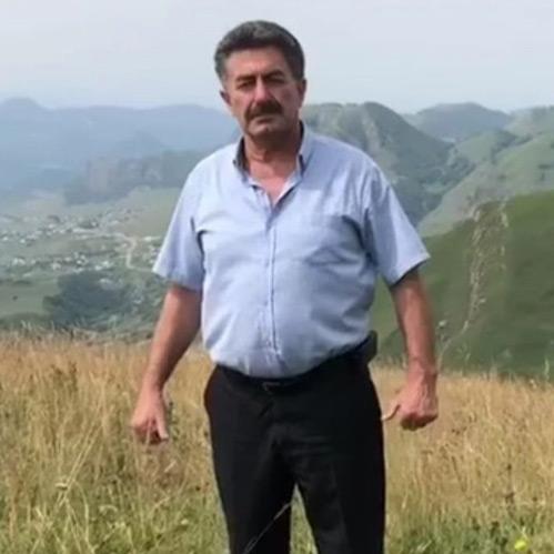 Художественный руководитель и солист фольклорного ансамбля «Эски джурт» Башир Шаугенов